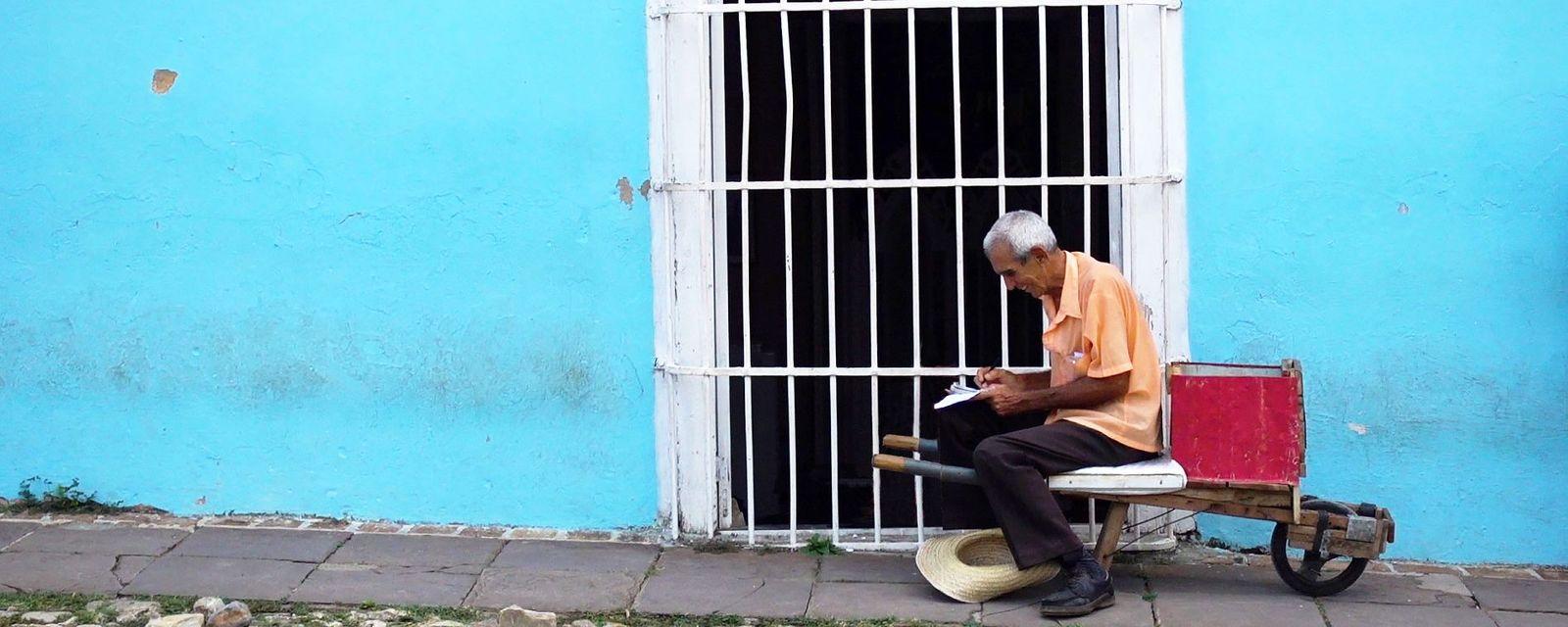 Luis Martinez, Cuba's 'imaginary tourist' (Credit: Credit: Alice Bellincioni & Giulia Paltrinieri)