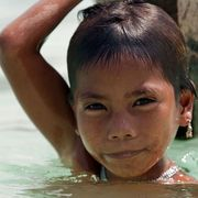 The children who see clearly underwater thumbnail