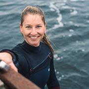 Luzia Buchman, diving in the sea thumbnail