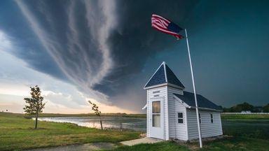 A bow echo over South Dakota (Credit: Mike Hollingshead/Alamy)