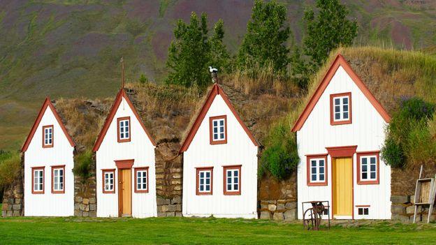 Traditional farmhouses (Credit: Bruno Morandi/Getty)