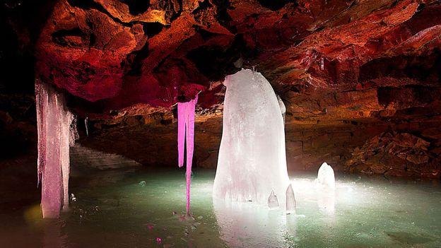 Lofthellir lava cave (Credit: Pétur Bjarni Gíslason/Getty)