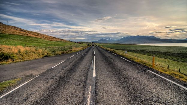 Iceland's looping Route 1 (Credit: Julien Ratel/Getty)