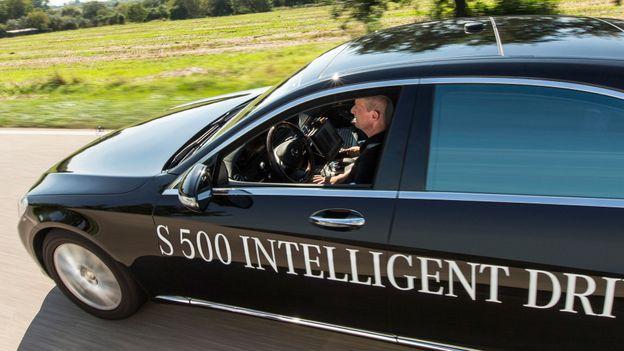 Car becomes driver (Credit: Daimler)