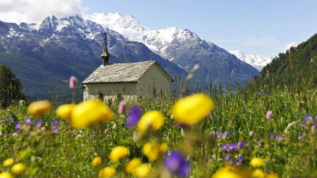 View of Valais' Mischabel Massif (Credit: Christian Perret/Valais/Wallis Promotion)