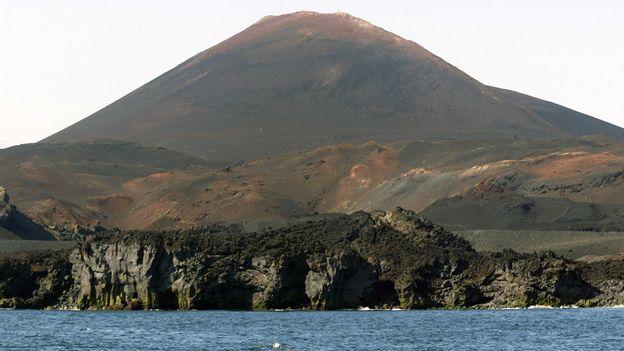 Heimaey's Hekla volcano (Credit: Marcel Mochet/AFP/Getty)