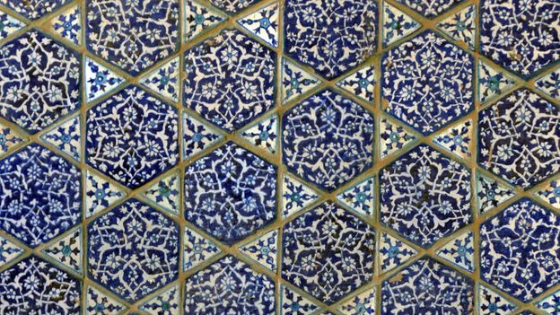 Glazed tiles decorate the inside walls of Mir Sultan Ibrahim's tomb (Credit: Urooj Qureshi)