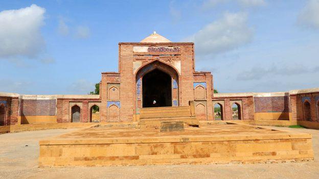 The tomb of Mirza Baqi Baig Uzbek (Credit: Urooj Qureshi)