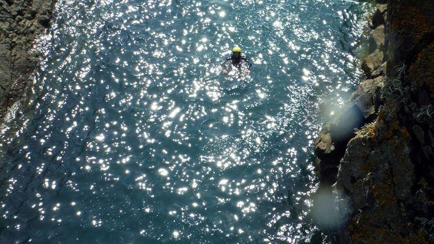 Swells push through like surging rivers (Credit: Noah Lederman)