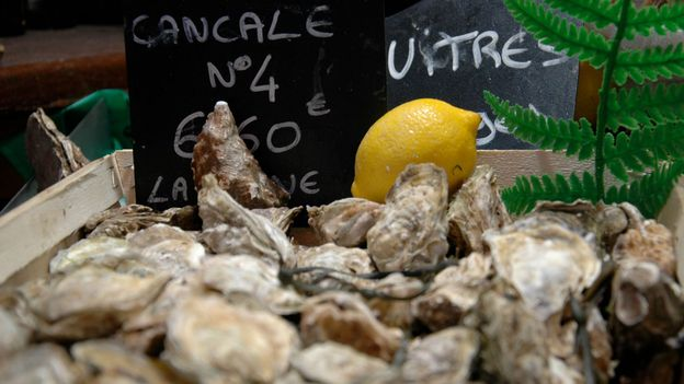Cancale oysters for sale (Credit: Hana Schank)