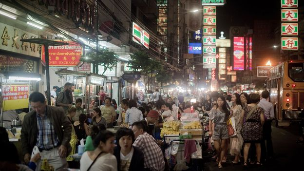 Yaowarat Road in Bangkok's Chinatown (Credit: Credit: Weerakarn Satitniramai)