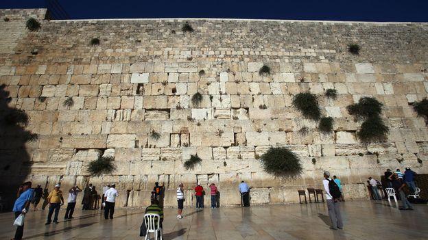 People pray at Jerusalem's Western Wall (Credit: Credit: Alex Grimm/Getty)