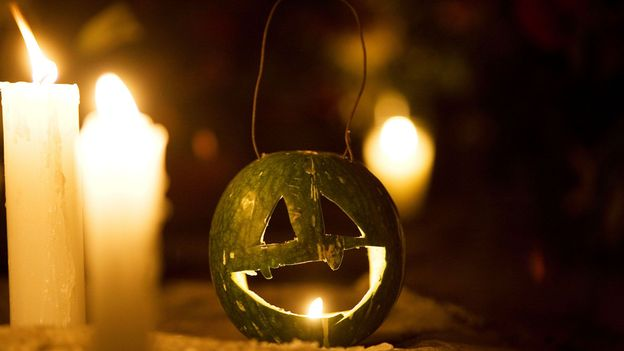 Without any classic orange pumpkins, carvers get creative with calabaza (Credit: Credit: Chico Sanchez/Alamy)