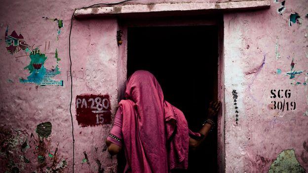 Tomorrow We Disappear documented the magic of the Kathputli artist colony (Credit: Credit: Joshua Cogan/Tomorrow We Disappear)