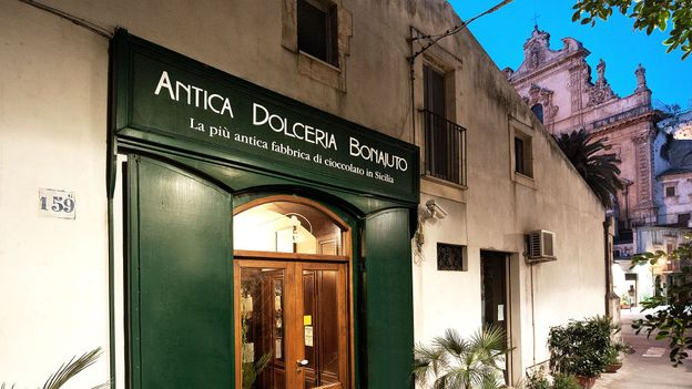 The rustic storefront of chocolate shop Antica Dolceria Bonajuto (Credit: Credit: Antica Dolceria Bonajuto)