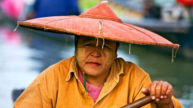 A Burmese woman at the floating market of Ywa-ma (Credit: Credit: Nigel Pavitt/Alamy)