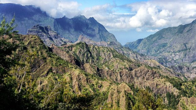 La Réunion is an island full of spectacular natural scenery (Credit: Credit: Miwok/Flickr/CC0 1.0)