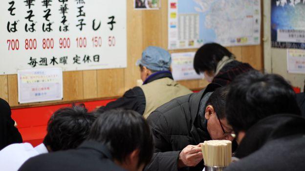 Ide Shoten is always full of hungry customers (Credit: Credit: Danielle Demetriou)