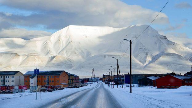 The Norwegian town of Longyearbyen (Credit: Credit: Berit Roald/AFP/Getty)