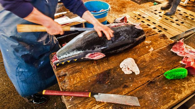 Most shopkeepers cut their fish with a jigsaw (Credit: Credit: Voison/Phanie/Alamy)