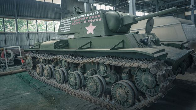 The salvagers who raise World War Two tanks from the dead