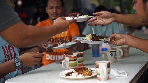 Malaysians admit that nothing unites this multicultural nation better than their food (Credit: Credit: Manan Vatsyayana/Getty Images)