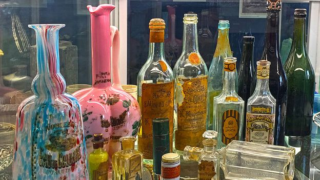 Today, vintage kolonya bottles have become coveted collectors' items (Credit: Galeri Birzamanlar Orlando Carlo Calumeno Collection and Archive)