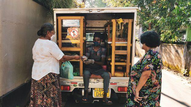 "Amid the pandemic, Sri Lanka has declared the mobile bread trucks ""essential"" businesses (Credit: Credit: Padmini Marasinghe)"
