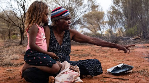 The way Warlpiri people experience boredom is changing as younger generations adopt the routines of European Australians (Credit: Credit: Julien Di Vincenzo/Alamy)
