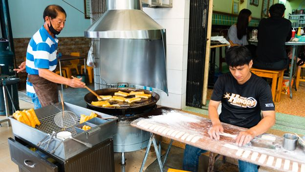 Kun Chiang Bang Rak is one of many places in Trang serving Cantonese-style deep-fried dough for breakfast (Credit: Credit: Austin Bush)