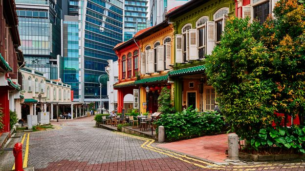 Visitors to Singapore will find perfectly paved roads, manicured public parks, and spotless, litter-free streets (Credit: Credit: Andrea Pistolesi/Getty Images)