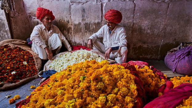 Travellers can experience paisa vasool at markets and bazaars across the nation (Credit: Credit: Tuul & Bruno Morandi/Getty Images)