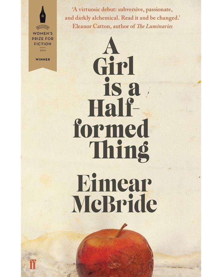 Eimear McBride'ın A Girl is A Half Formed Thing, Payne için içerideki yazıyı yansıtan bir kapak örneğidir (Kredi: Faber & Faber)