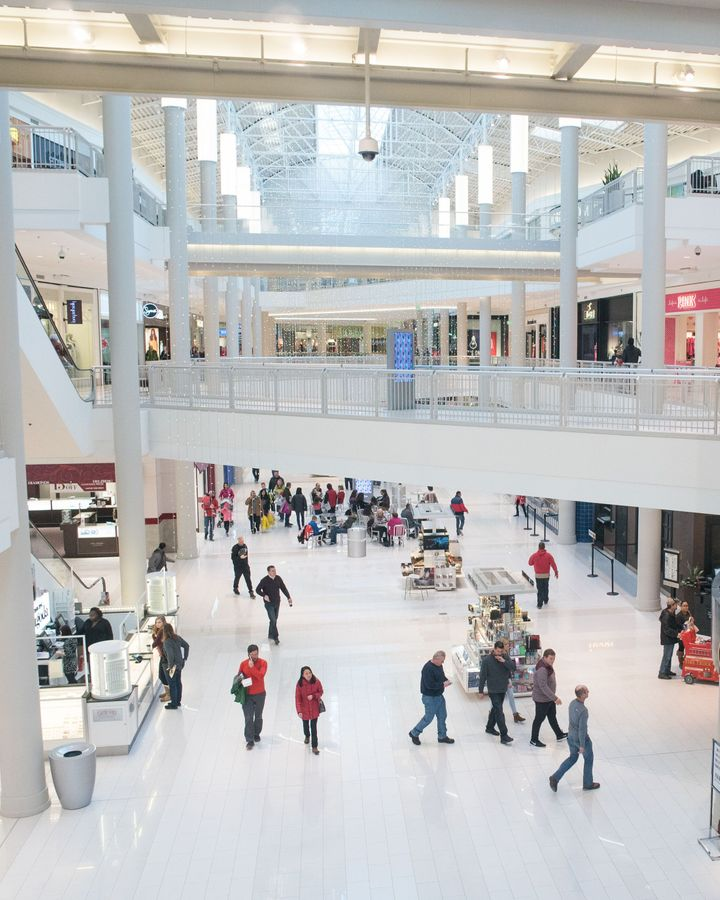 The Mall of America shopping centre relies on passive heat sources, including its many visitors - despite reaching winter lows of -15.5C (4.1F) (Credit: Mall of America)