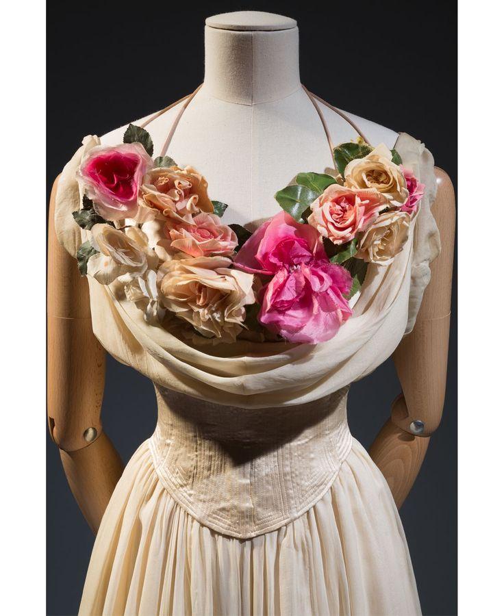 US designer Charles James's La Sylphide debutante dress of 1937, embellished with silk roses (Credit: Museum at FIT/ Gift of Mrs John Hammond)