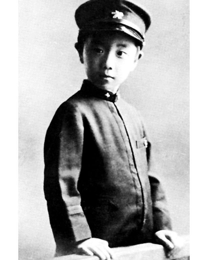 Mishima, çocukluğunun bir bölümünü büyükannesiyle yaşayarak geçirdi - 1949 tarihli bir Maskenin İtirafları adlı romanında ölümsüzleştirdiği bir deneyim (Kredi: Alamy)