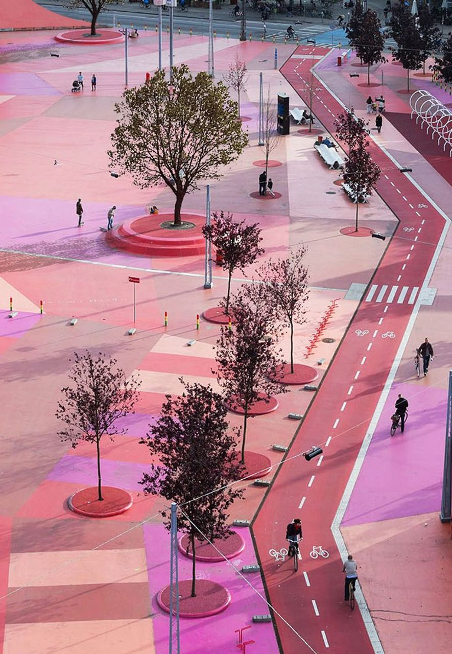 Superkelin is a 1-km-long urban park created by Danish architects BIG and landscape architects Superflex (Credit: Iwan Baan)