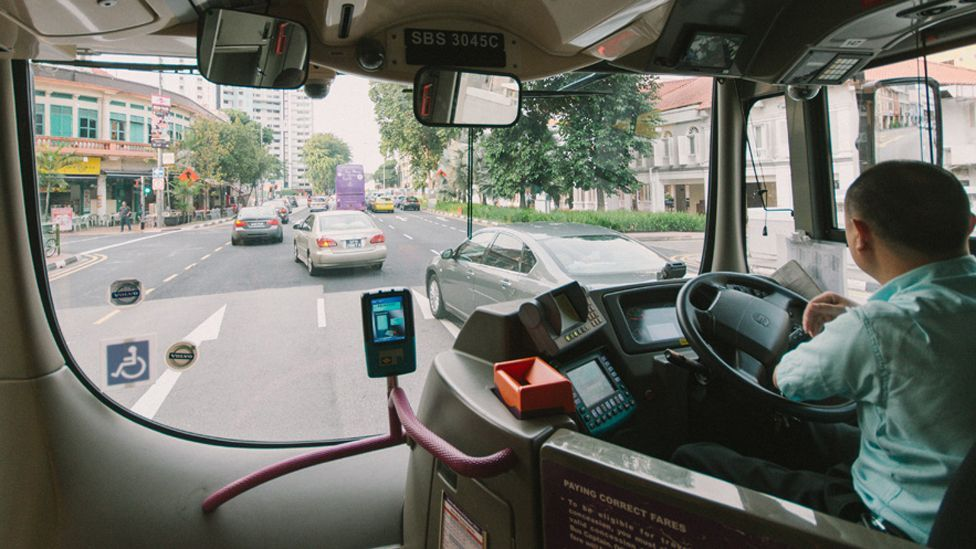 The app would also allow drivers to change bus routes to take advantage of quieter streets, avoiding traffic jams or road works. (Copyright: BBC/Marc Tan)