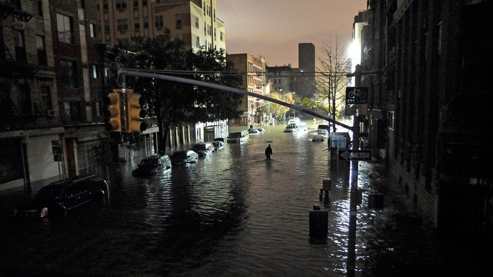 During Hurricane Sandy in 2012, as many as 100,000 extra people were thought to be at risk of flooding for every foot of water in New York City. (Copyright: Getty Images)