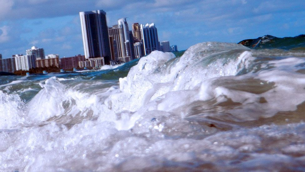 Over 3 billion people live in coastal city areas that are at risk of rising sea levels and other  consequences of global warming. (Copyright: Getty Images)
