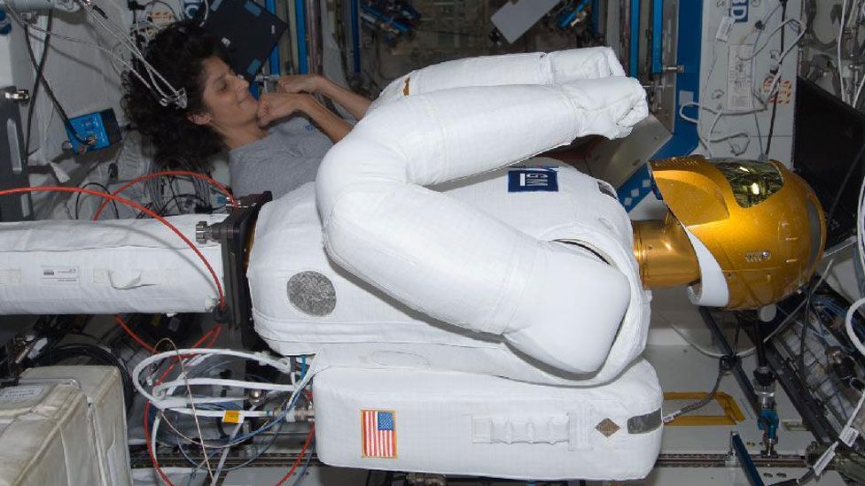 The robotic assistant works alongside astronauts, using space tools and working in similar environments to its human colleagues. (Copyright: Nasa)