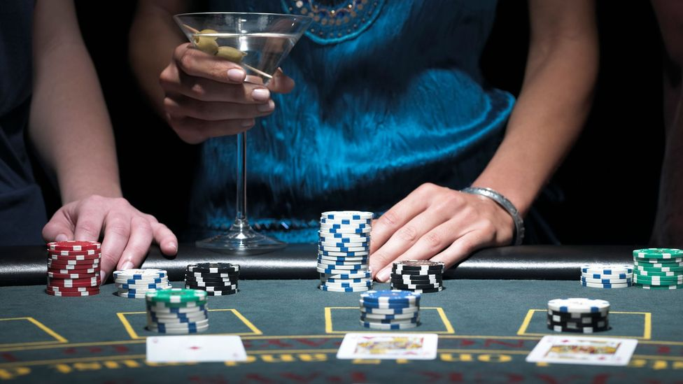 What Las Vegas casinos won't tell you about gambling - BBC Travel