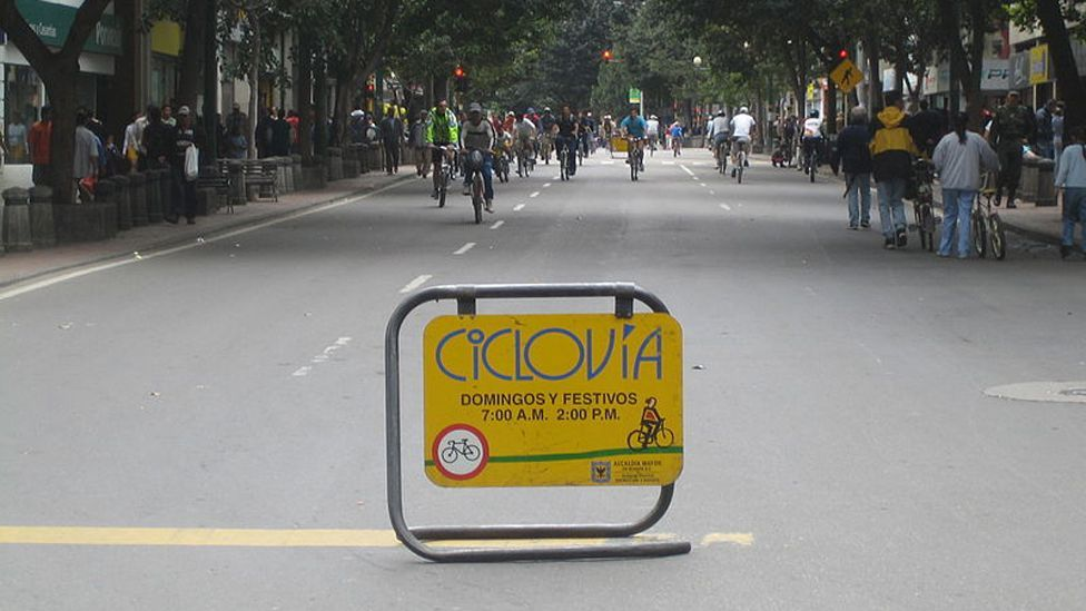 Several South American cities have pioneered the Ciclovia, where streets are closed to allow pedestrians free access to the city byways. (Copyright: Wikimedia Commons)