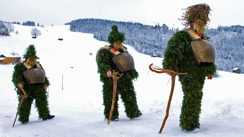 Trekking in twigs and leaves for Urnäsch's Silvesterchlausen. (Sebastian Derungs/AFP/Getty)