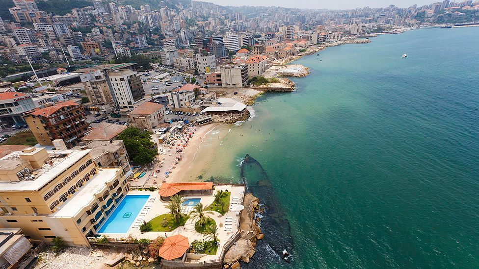 It is estimated that 300,000 Lebanese work in the Gulf but maintain their residence in Lebanon. (Ali Kabas/Corbsi)
