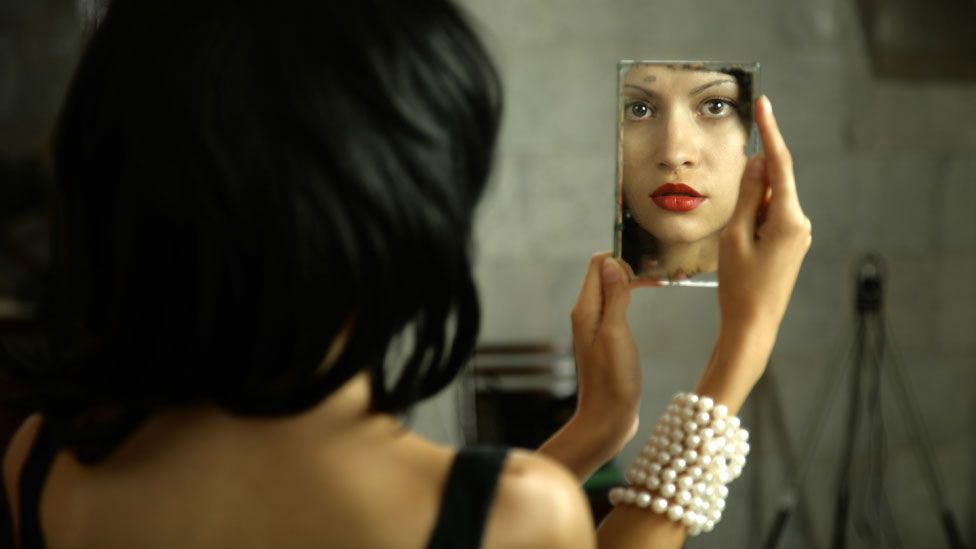 Some people see a stranger in a mirror instead of their own face (Thinkstock)