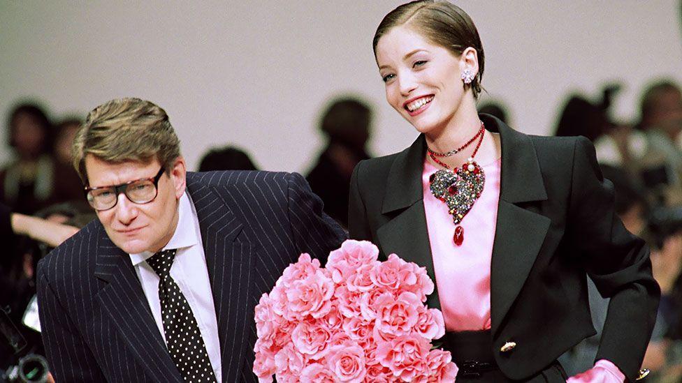 Yves Saint-Laurent with Lucie de la Falaise in 1993 (Pierre Guillaud/AFP/Getty Images)