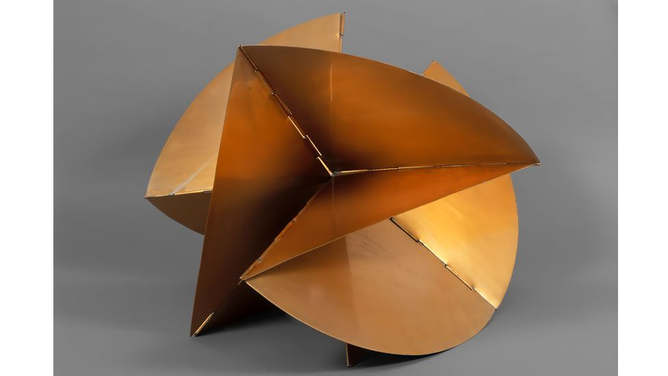 Lygia Clark encouraged the spectator to take the object in their hands and reform them (The World of Lygia Clark Cultural Association)