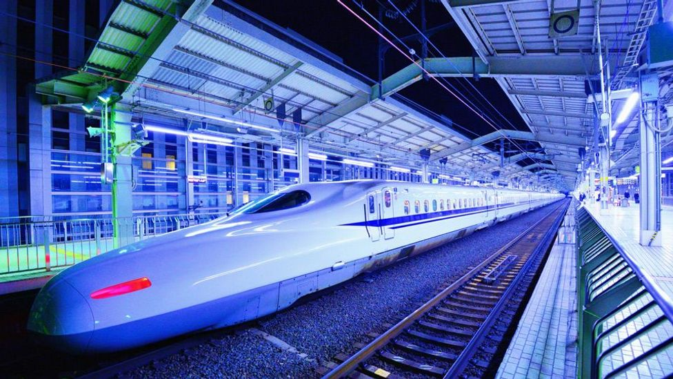 A Nozomi bullet train rests in Kyoto Station (Sean Pavone/Alamy)