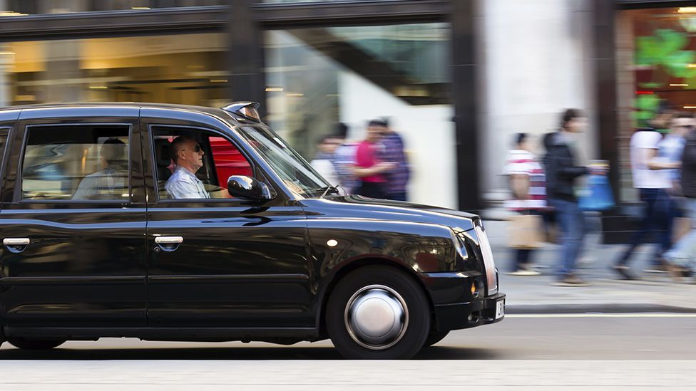 The longer London taxi drivers navigate the city's streets, the bigger certain parts of their brain tasked with memory and navigation grow (Thinkstock)